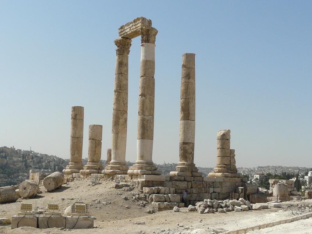 Equilbre de pierres au temple d'Hercule