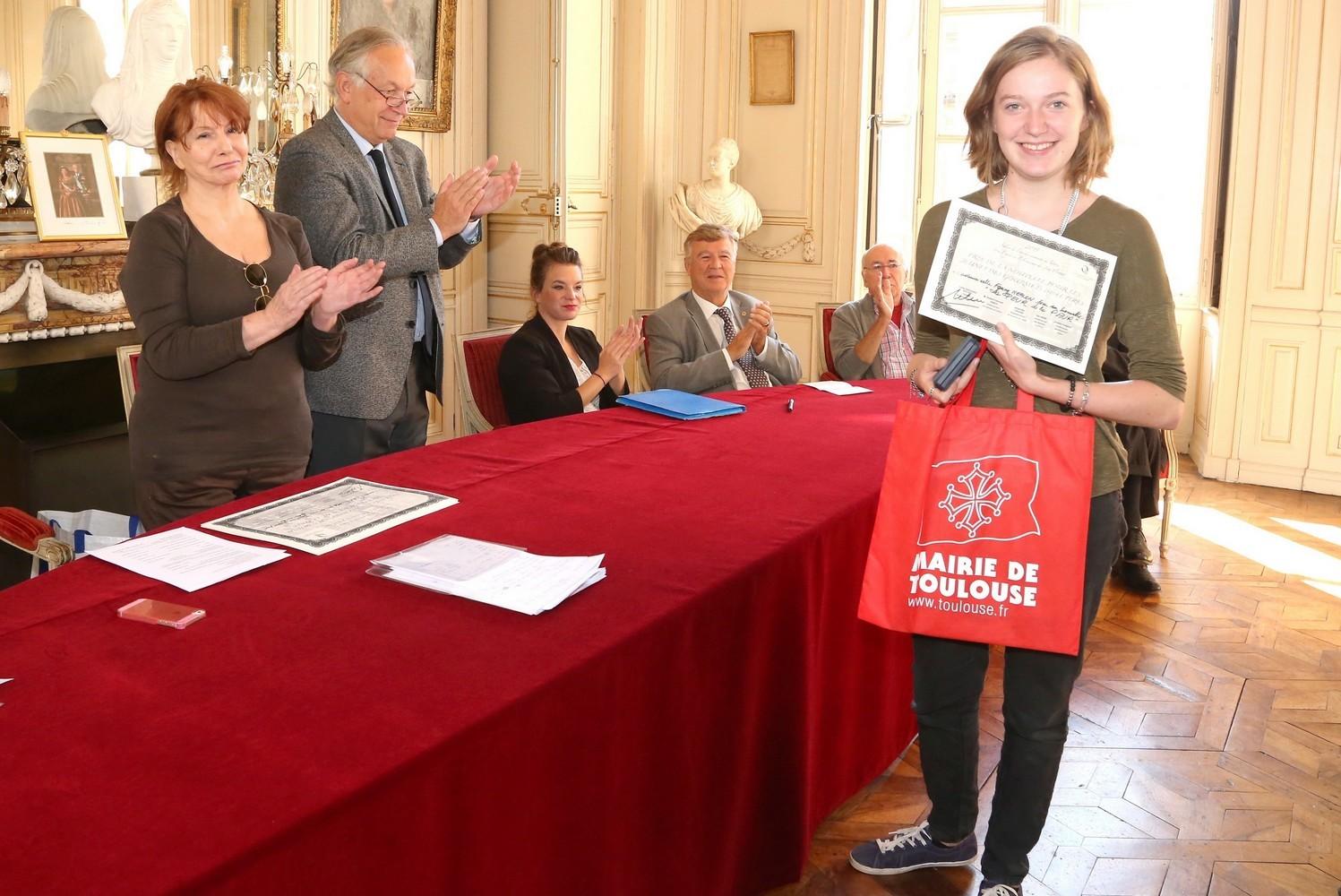 Fanny Méplomb félicitée par le jury des Gourmets de lettres