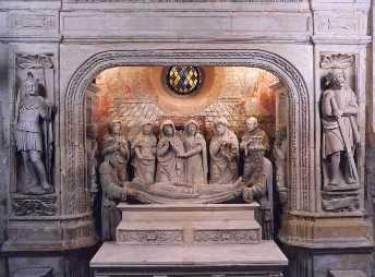 Mise au tombeau... Classé monument historique