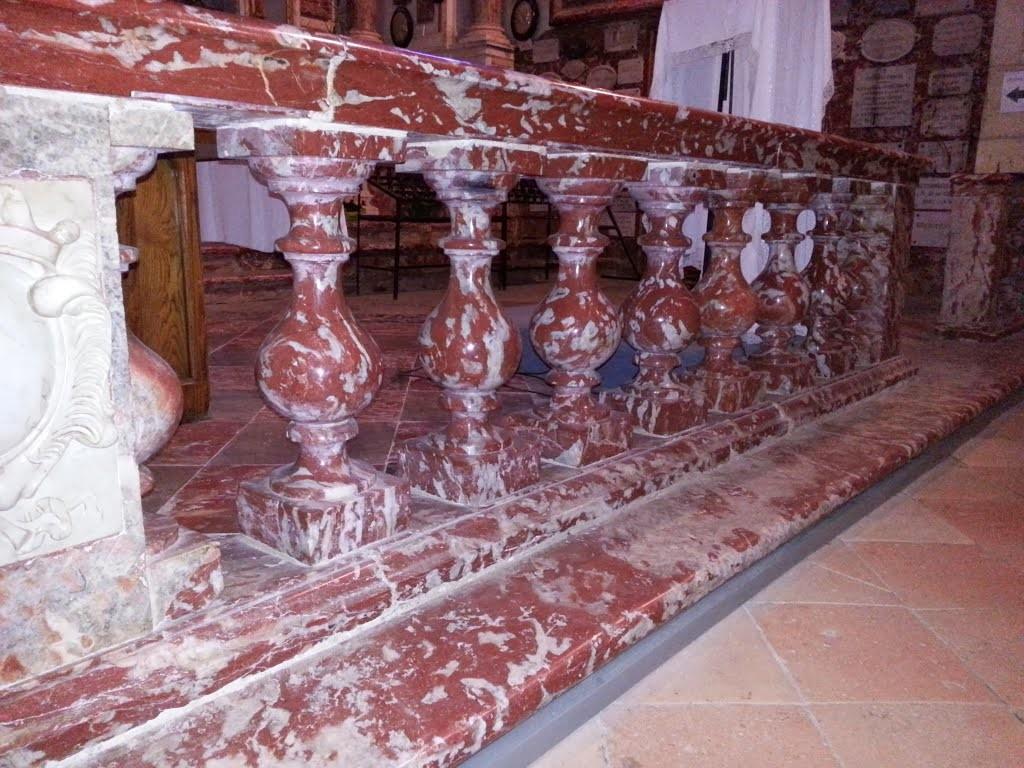 7-Balustrades en marbre incantat...