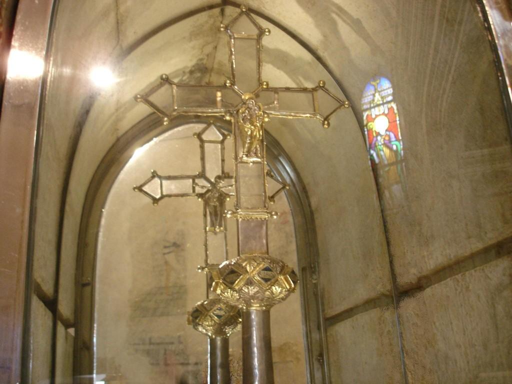 Croix d'autel. XVIe. Classée monument historique