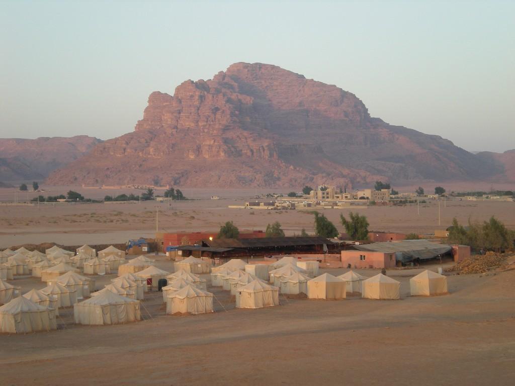 Autre vue du camp Jabal à l'aurore