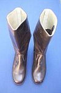 Volkspolitie, laarzen voor vrouwelijke officieren
