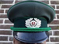 Volkspolitie, lagere rangen, heren, 1967 - 1989, stalen embleem