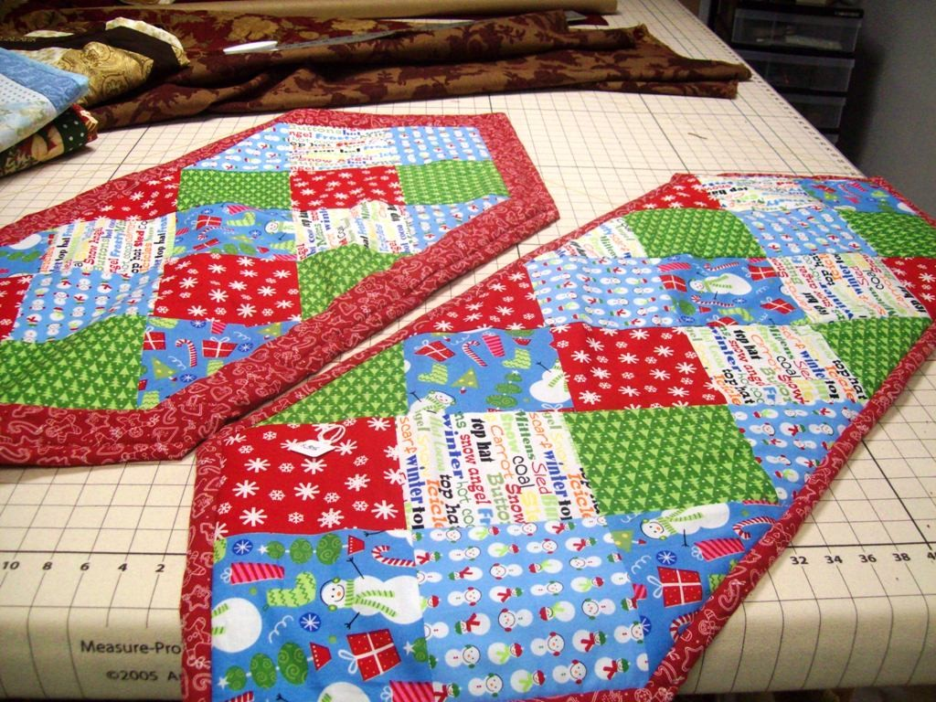 Winter Season Table Runner