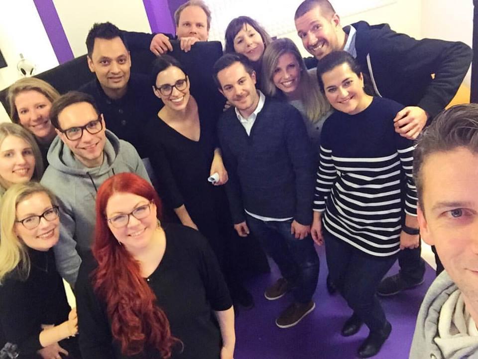 Teambuilding mit einer kompletten Firma - Vocalcoaching & Recordings
