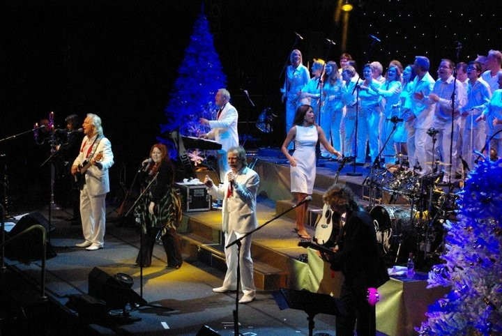 """Weihnachtskonzertreihe mit """"De Höhner"""" und dem Livin Gospelchoir Dezember 2010 / Foto by Hartmut Schulz"""