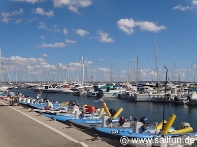 Trainerboote im Hafen von Ca'n Pastilla