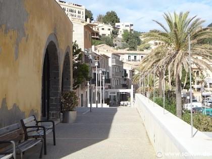 Blick in die Altstadt von Porto Soller