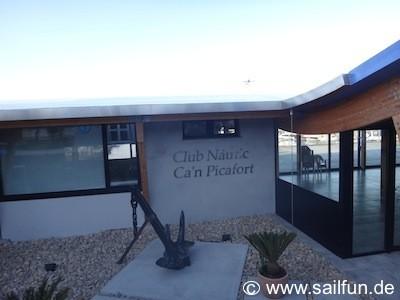 Clubhaus vom Yachthafen Ca'n Picafort