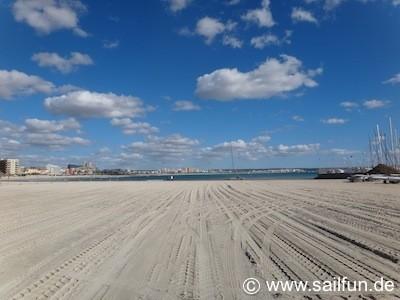 Sandstrand beim Hafen von Ca'n Pastilla