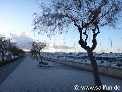 Promenade mit Fahrradweg in Ca'n Picafort