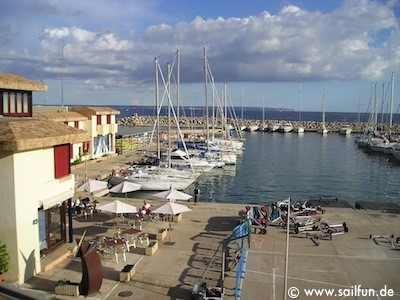 Hafen von Cala Nova