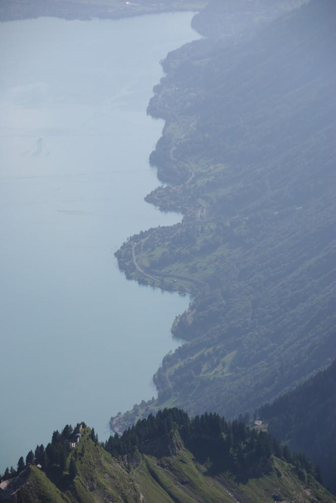 Haupstrasse von Brienz nach Interlaken