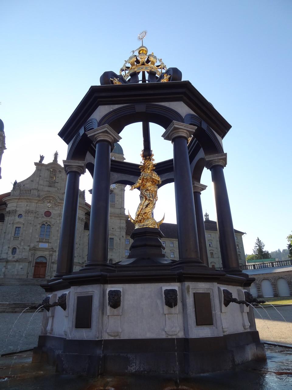 Einsiedeln - Der Frauenbrunnen
