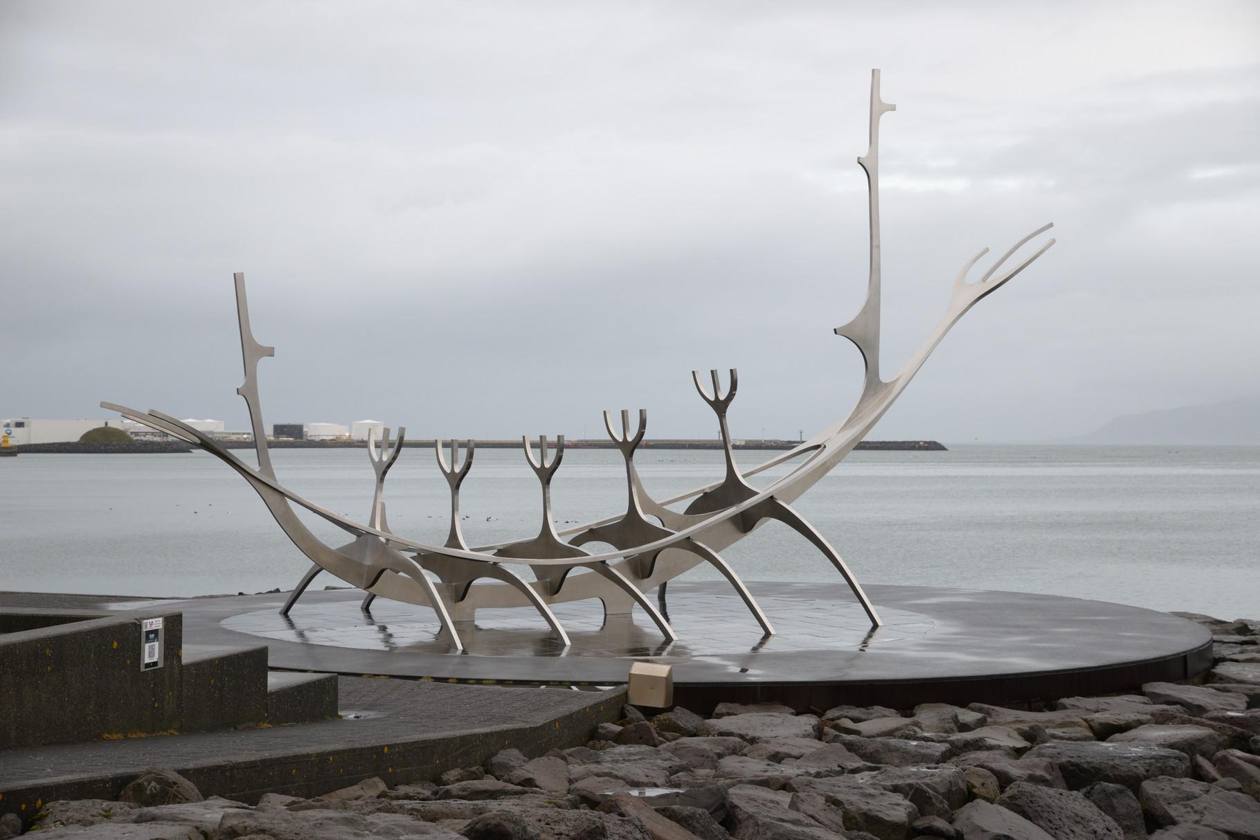 "Skulptur ""Vikingerschiff"""