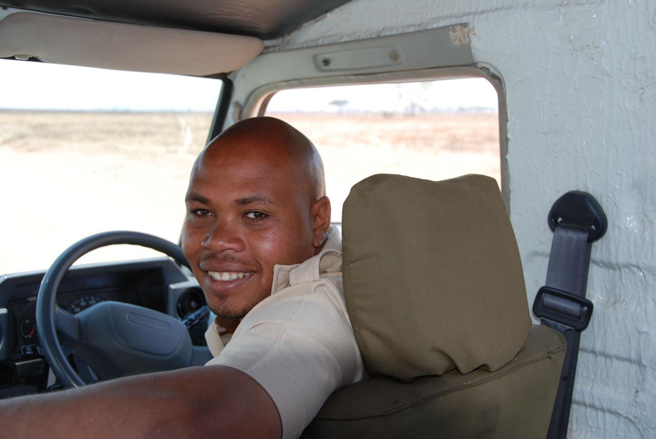 Unser Fahrer holt uns für die erste Serengeti Tour ab