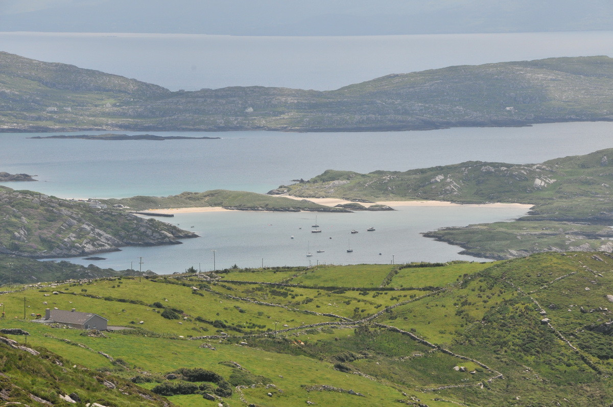Blick vom Ring an die Küste