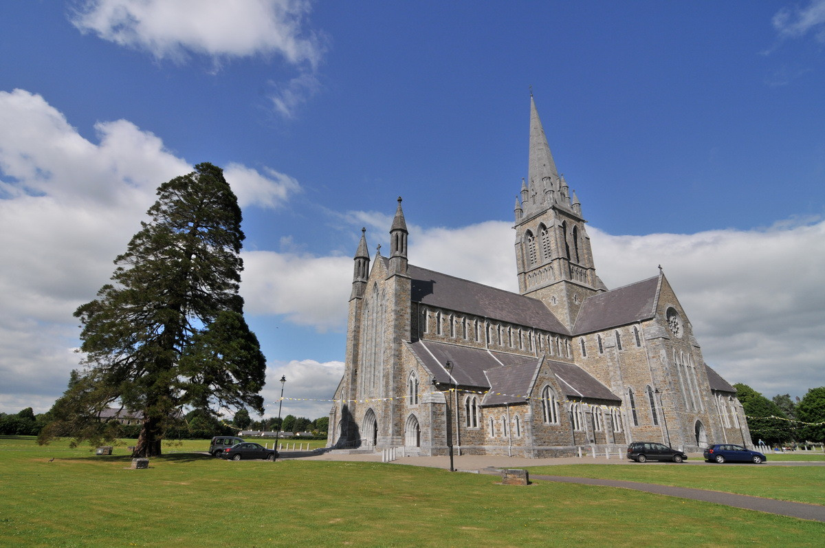 Am Ende des Ringes wieder in Killarney, die St. Mary Kathedrale