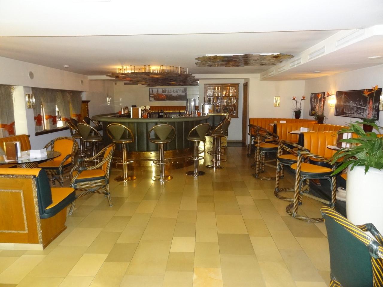 Die gemütlich Bar mit super Abenduntehaltung
