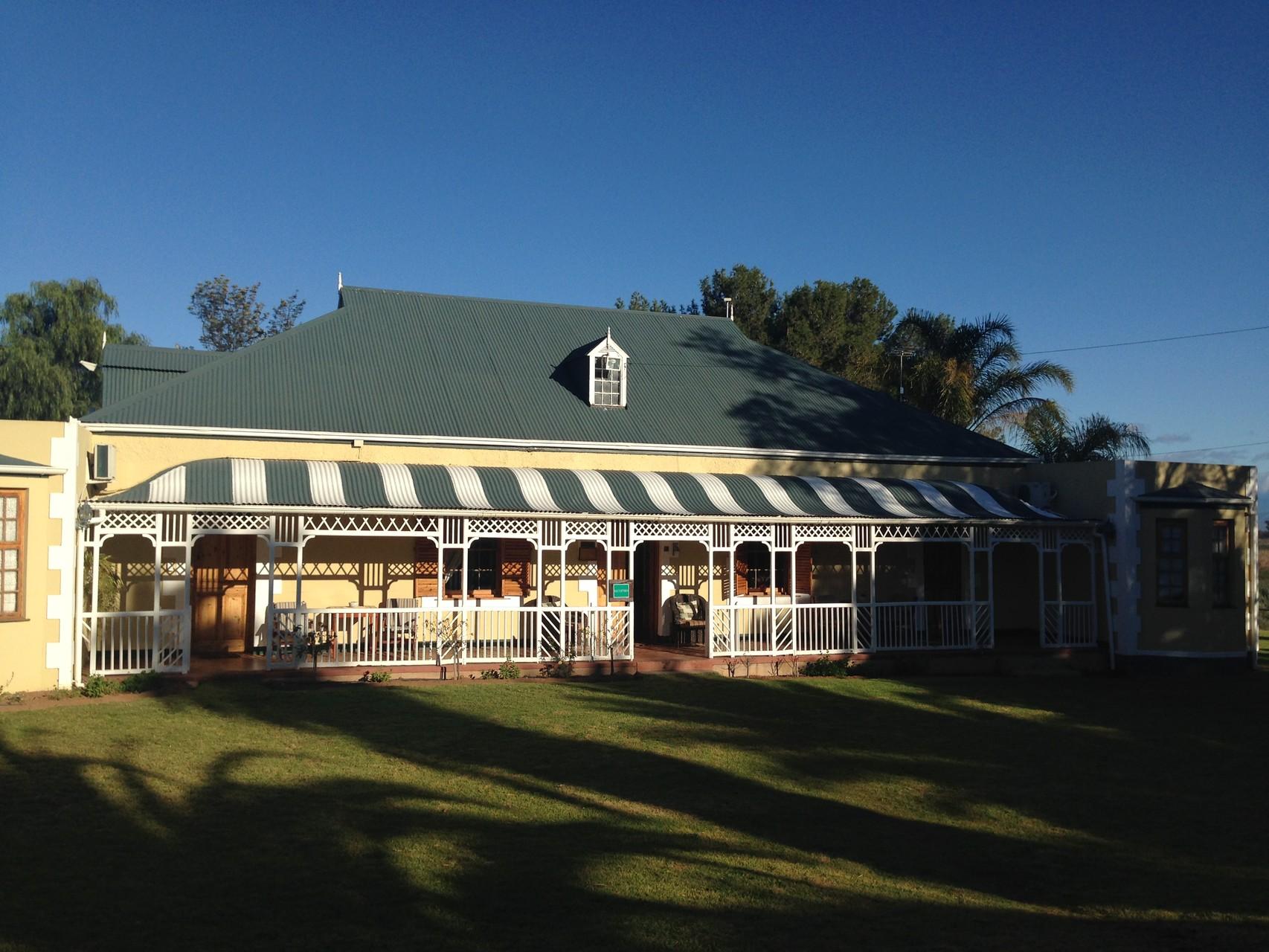"18:00 Uhr Ankunft beim Herrenhaus des ""De Tenne Country Guest House"" in Oudtshoorn (Little Karoo) zum Apero"