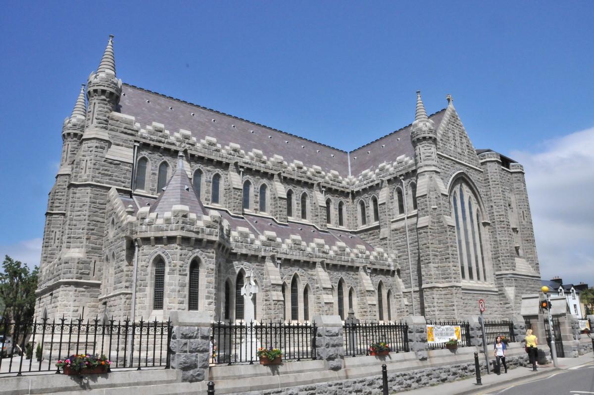Die Daniel O'Connell Memorial Church in Caversiveen
