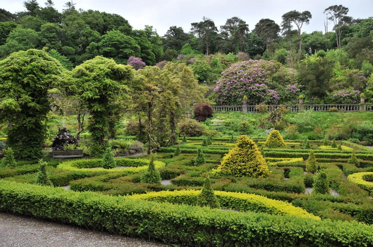 ...und dessen wunderschöne Gartenanlage