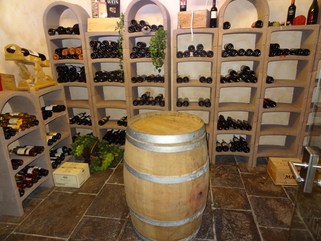 Der Weinkeller vom Sporthotel Silvretta Nova