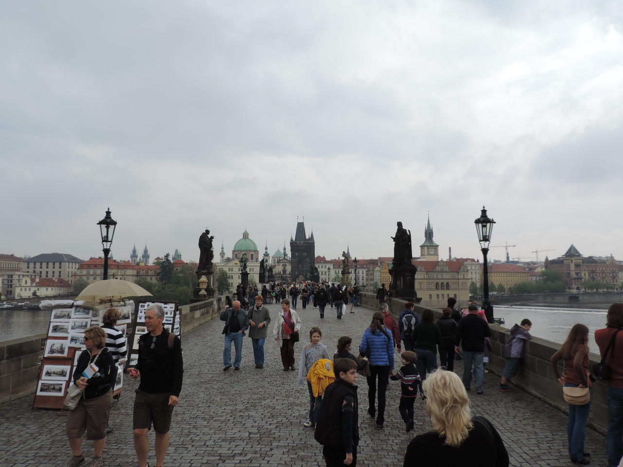 Karlsbrücke mit den berühmten Brückenfiguren