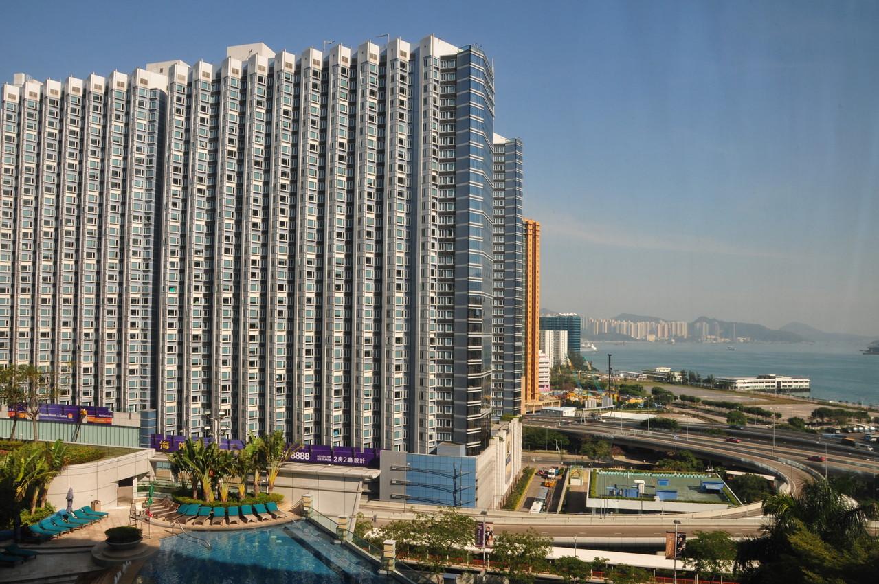 Aussicht aus unserem Hotelzimmer, jeder Quadratmeter ist verbaut