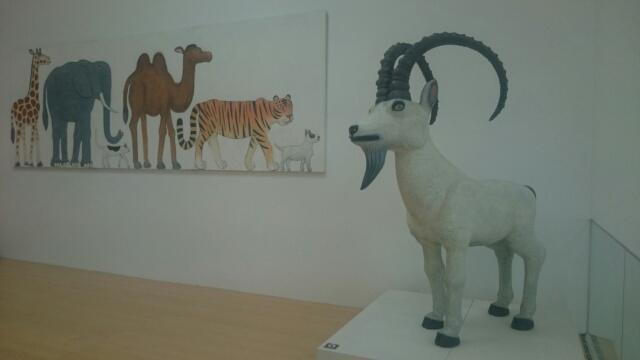 美術館に入ると悠然と佇む動物達