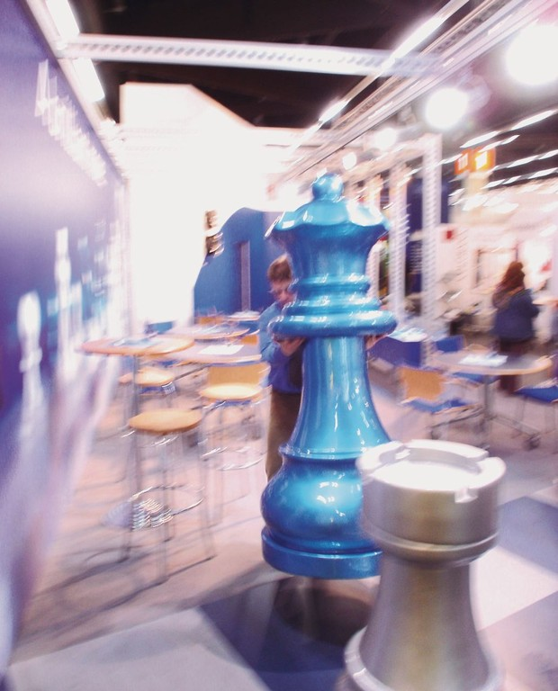 Bis zu 2 Meter hohe Schachfiguren.