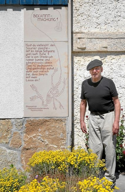 Otmar Kleindienst vor seinem Museum