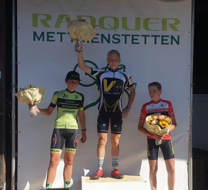 Alexandre Binggeli - 1. Platz Mettmenstetten - 1. Rennen im Velo Galerie Dress!