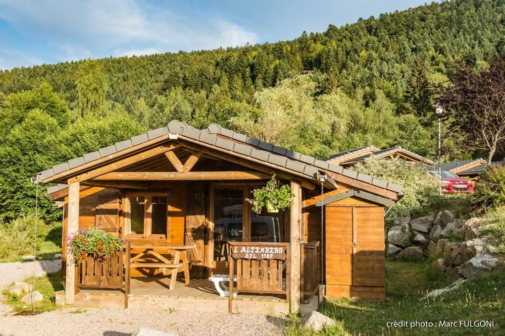 chalet montagne 4-6 personnes avec terrasse couverte et salon de jardin