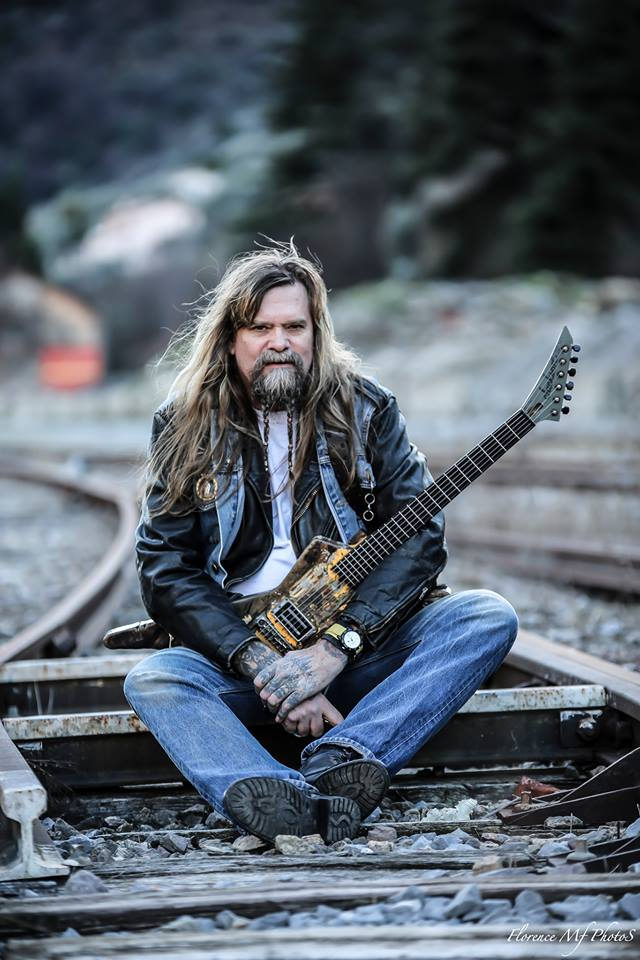 TTM Guitars signs the legendary, Chris Holmes!