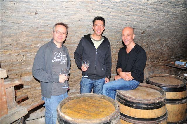 immer noch bei der Weinprobe - Francois, Matthias und Pascal