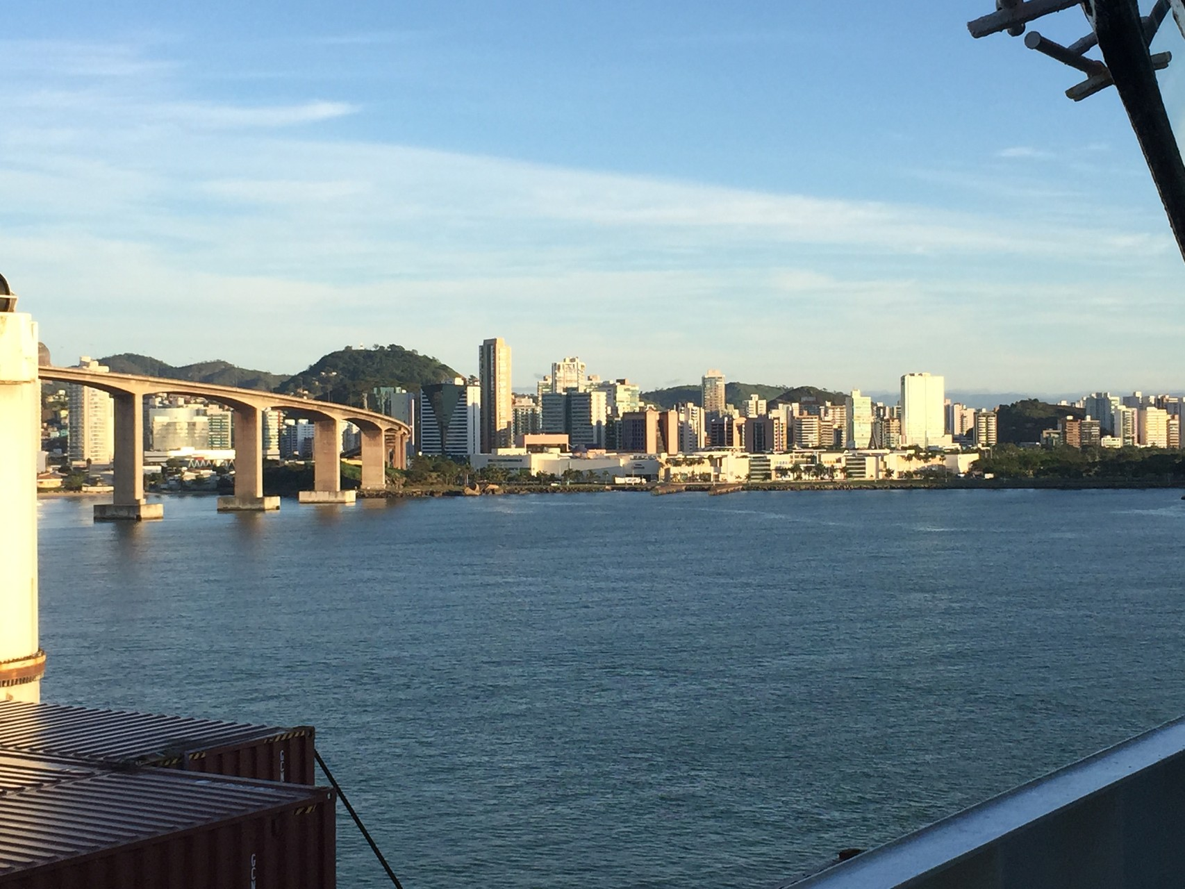 Traumhafte Hafeneinfahrt in Vitoria