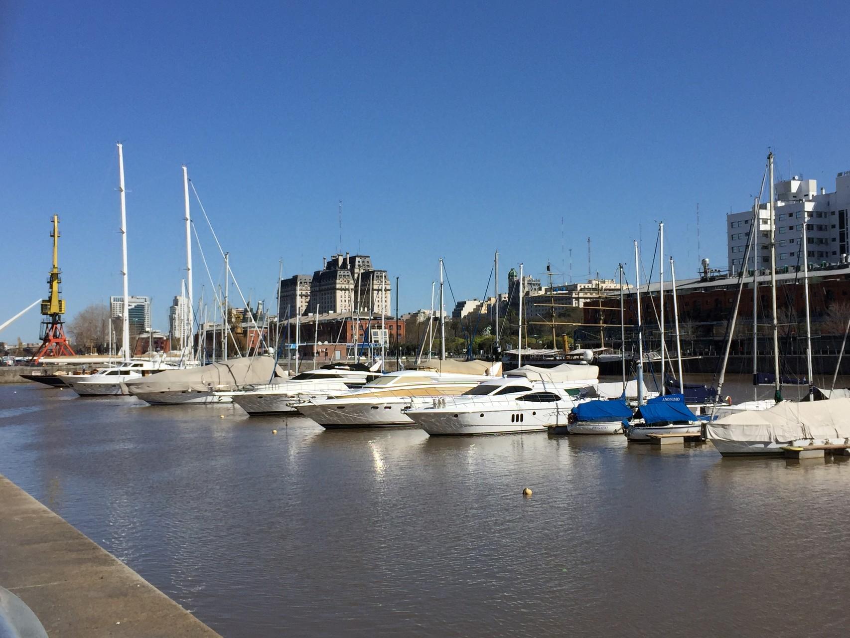 In Punta Madera, dem modernen Hafenviertel....