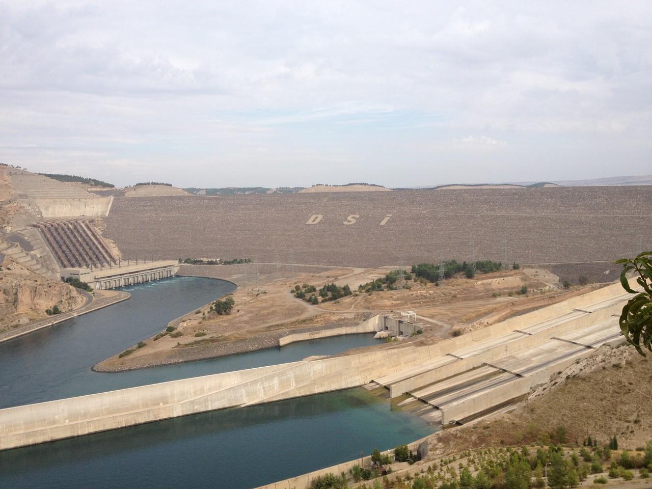 Atatürk - Staudamm...