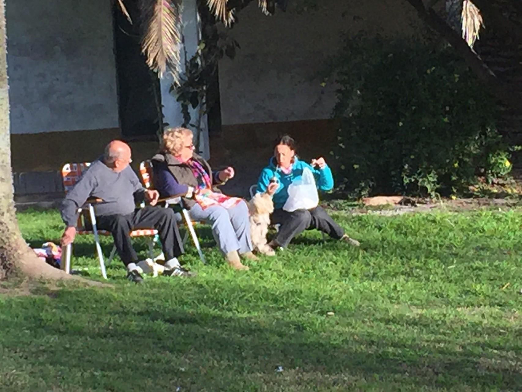 ..... von Leuten beim Picknick!