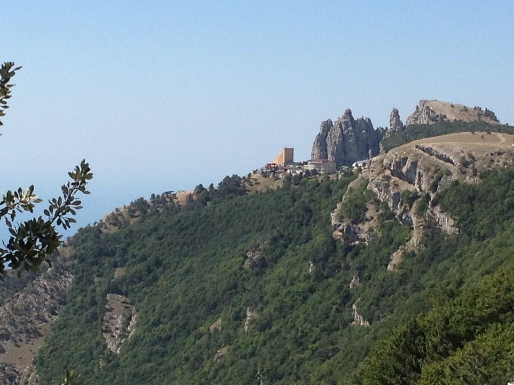 Fahrt über die Berge der Krim