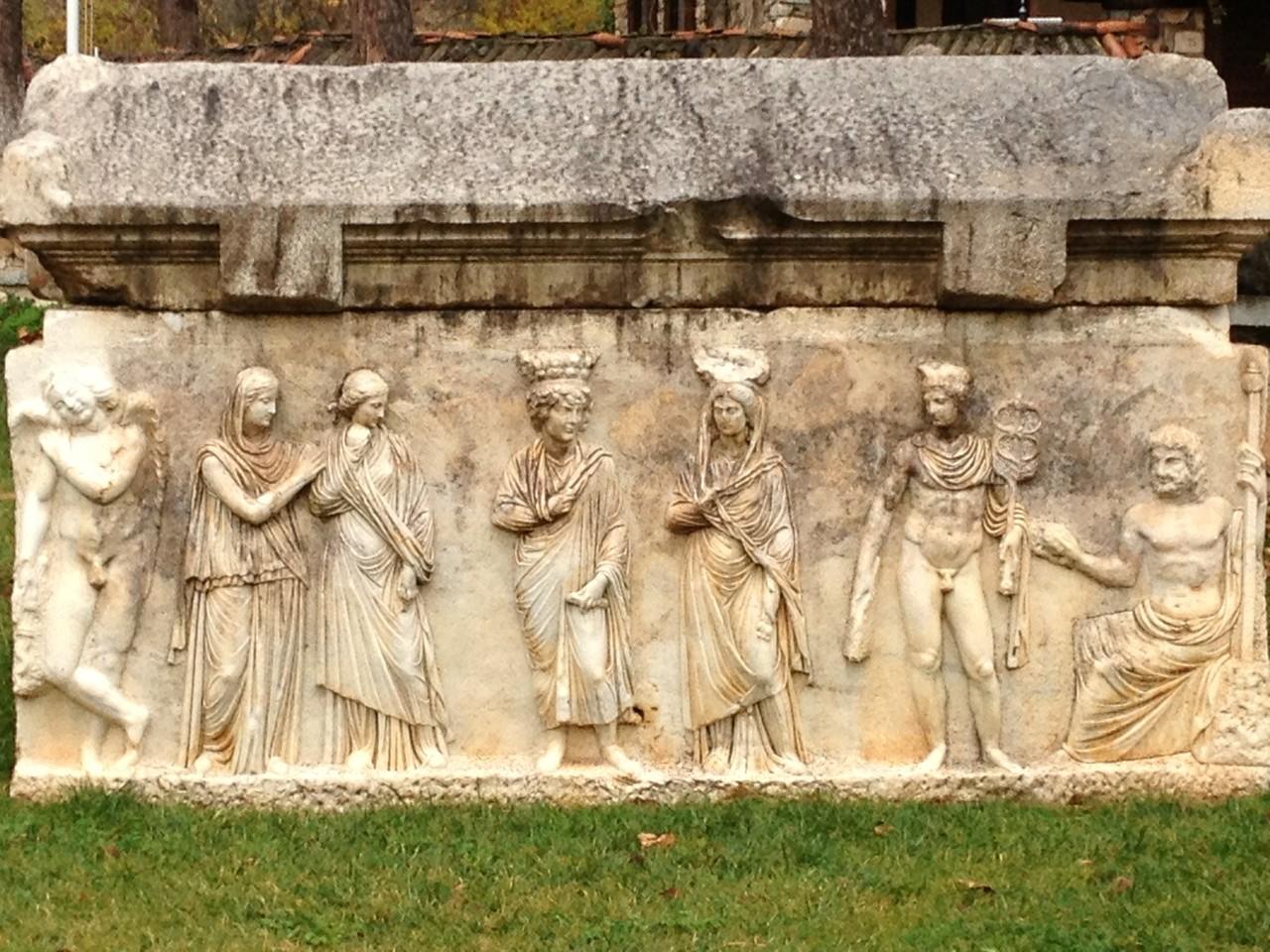 Teile des Bouleuterion im Museum