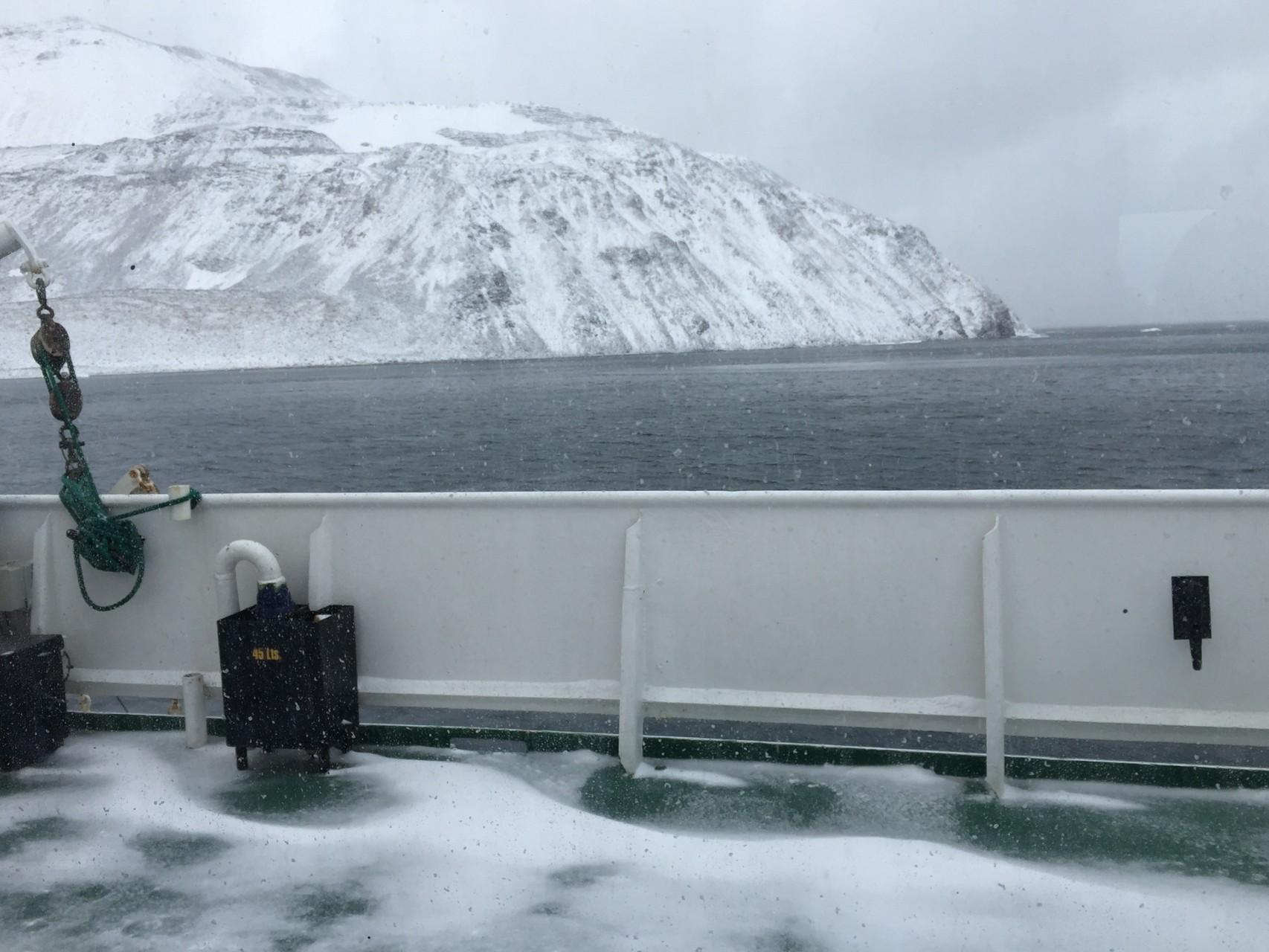 Es hat geschneit und die Paulet Insel liegt vor uns