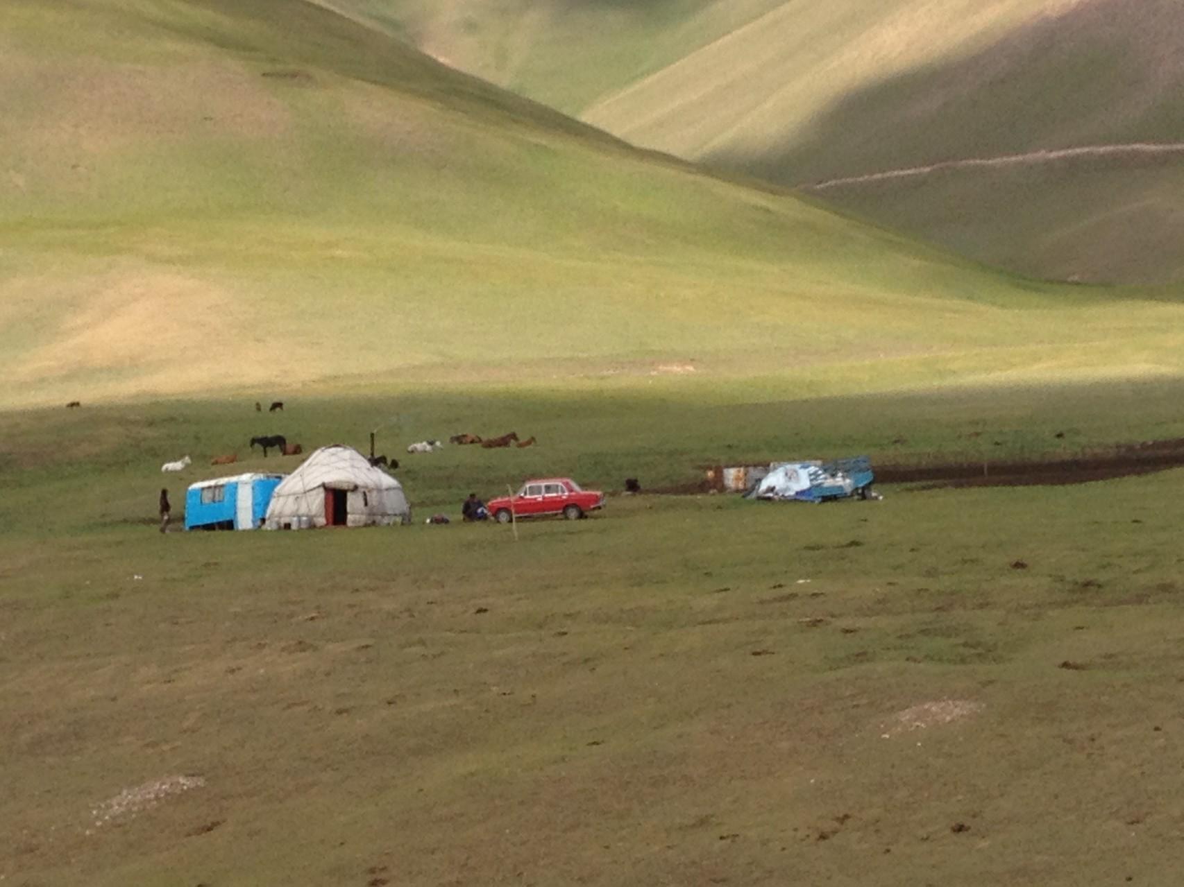 Richtung Naryn die Jurten