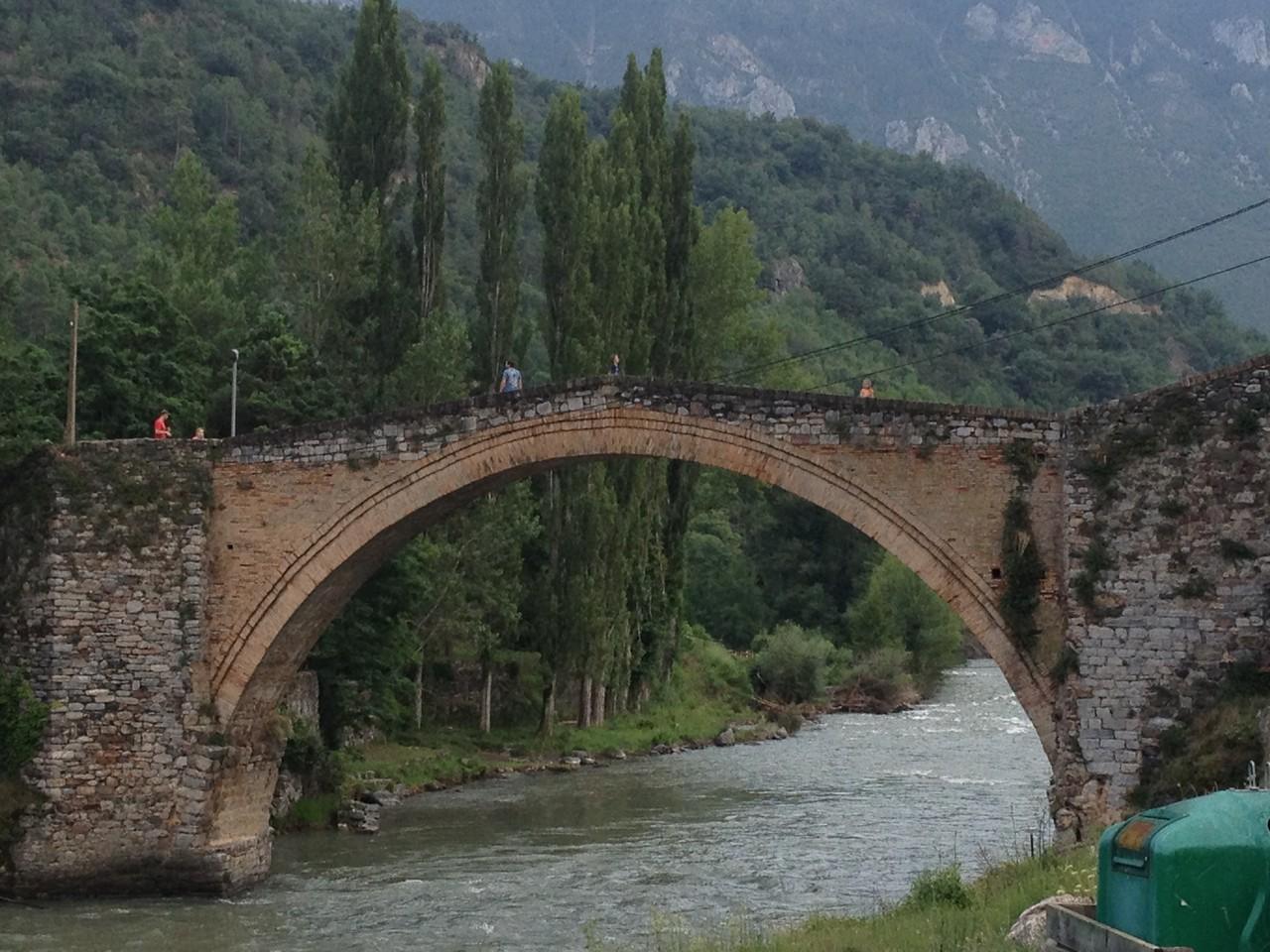 romanische Brücke in Gerri de la Sal