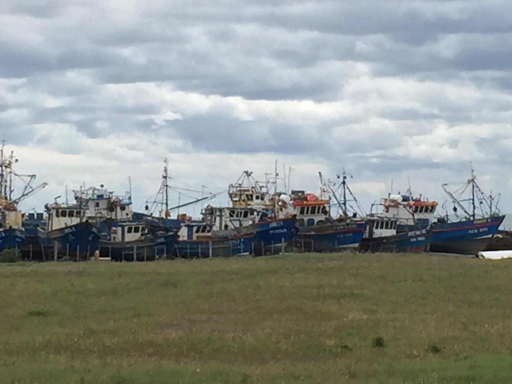 .... mit den verrosteten Schiffen