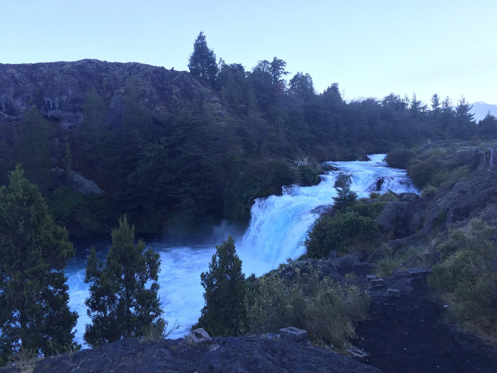 Übernachtungsplatz am Wasserfall