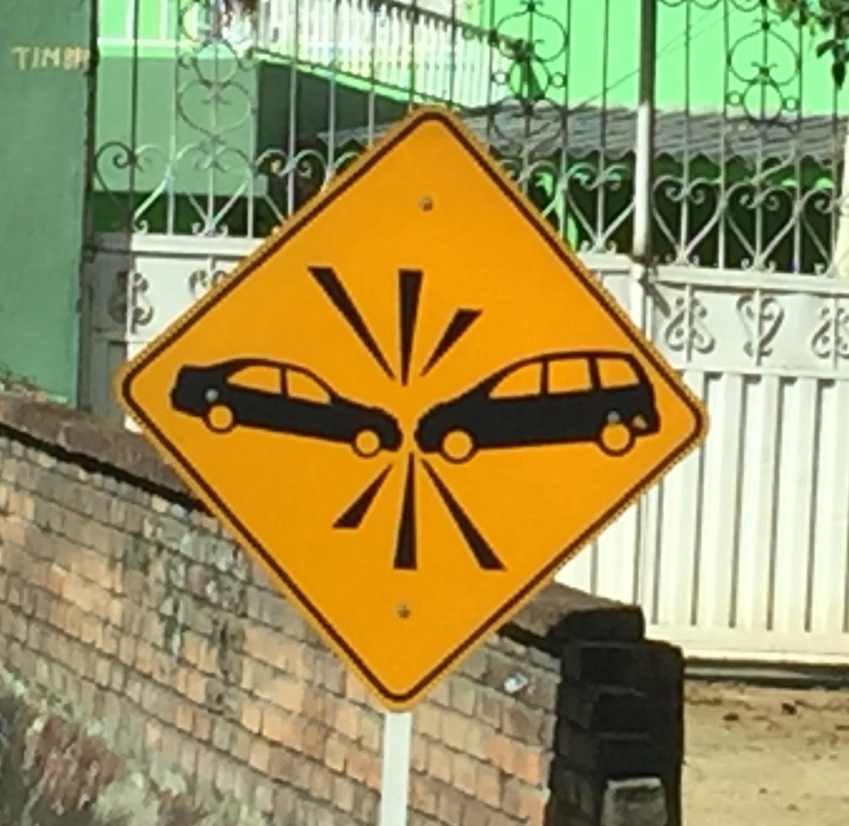 überall zu finden diese Strassentafel