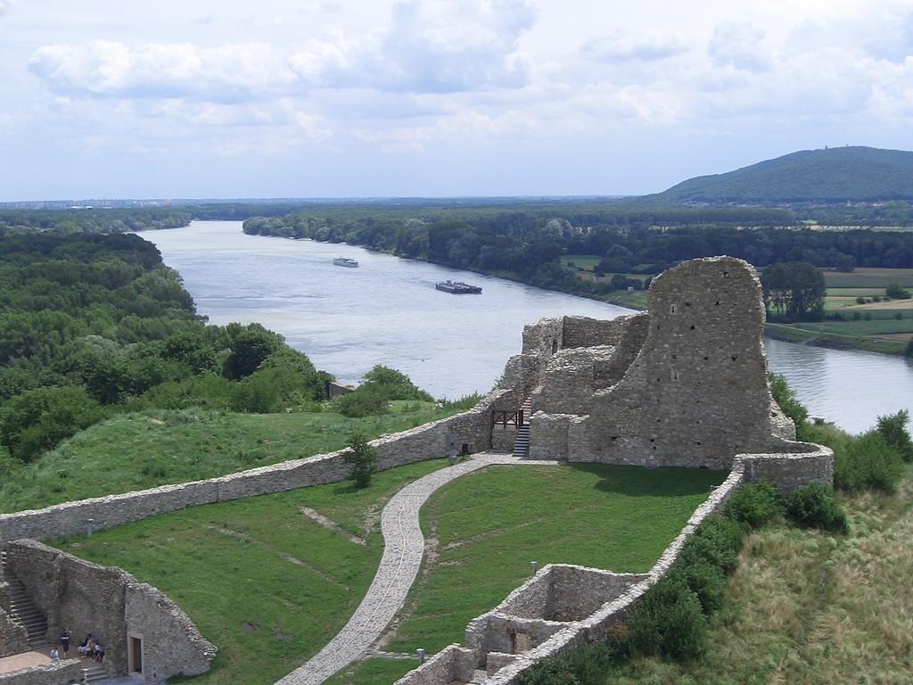 Burg Devin am Zusammenfluss der Morava und der Donau
